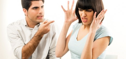 Couple-FingerPointing-Angry