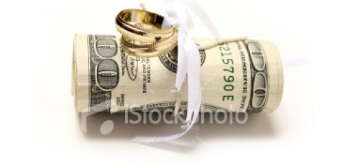 ist2_5002937-marriage-and-money